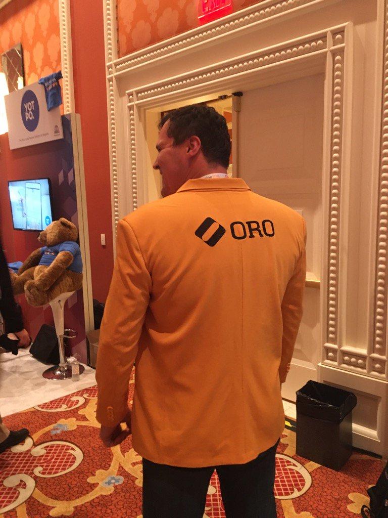 YoavKutner: Thanks to @balanceinternet for @dmitriysoroka new outfit. @OroCRM @OroCommerce #MagentoImagine https://t.co/CACclDPwrH