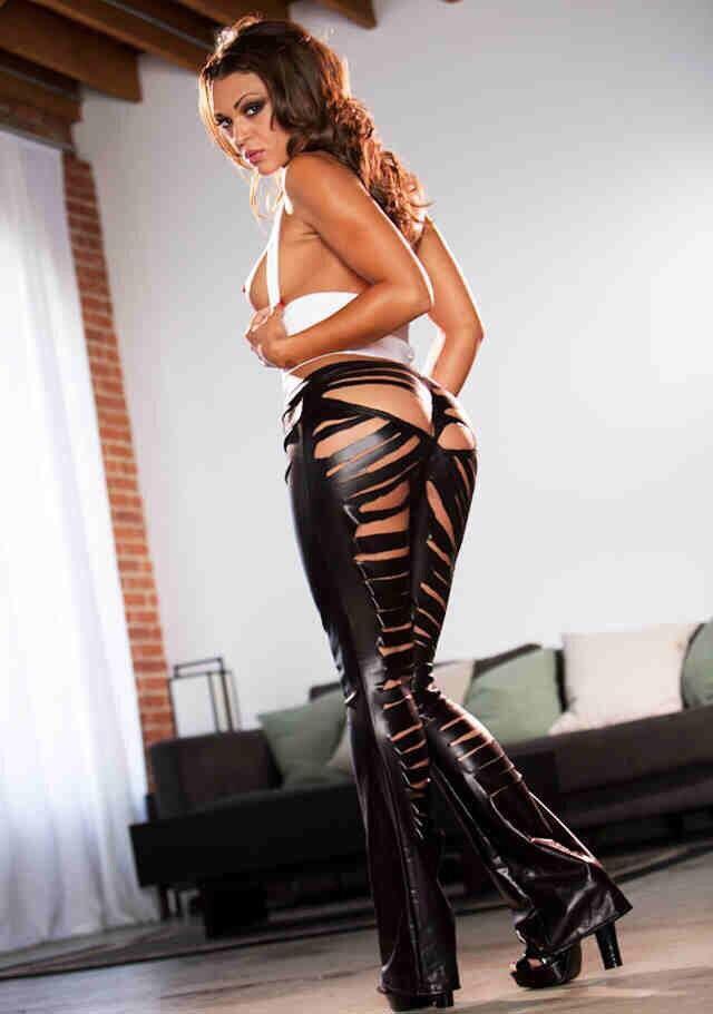 #Olivia #OliviaWilder #Wilder #HOT #Ass #curves #booty #hiney #Butt RETWEET