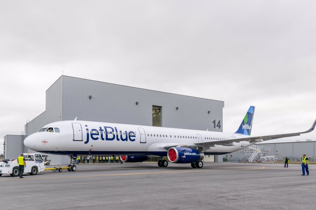 Be with us tomorrow at 1000 CDT to follow the delivery of the 1st US-made #A321 to @JetBlue! #USA321JBU https://t.co/QsKEw1oYTl