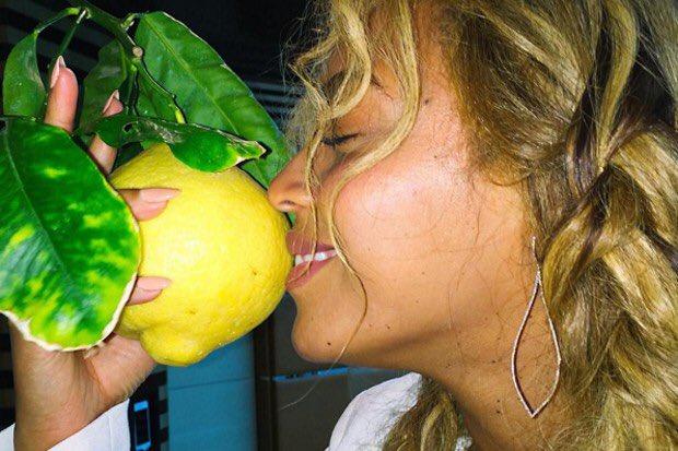 Beyonce #FormationWorldTour will  raise $$$ for #socialgood! Join her! https://t.co/P1CfiJmLX1 #Beygood #LEMONADEDAY https://t.co/5HpGZ4sryp