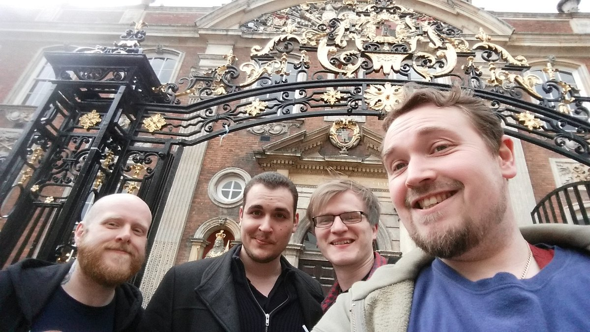 Guildie meetup of Worcester.Obligatory Guildhall pic @theguild #GuildiesForLife @erlendaakre @BelRand @mattalexbrown https://t.co/KMTDxELIFC