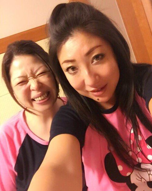 1 pic. 実は、加山なつこママと来てまーす!!!!お揃いのミニーちゃんのルームウェアー買っちゃった(⌒▽⌒) https://t.co/7MBZiUew3Q