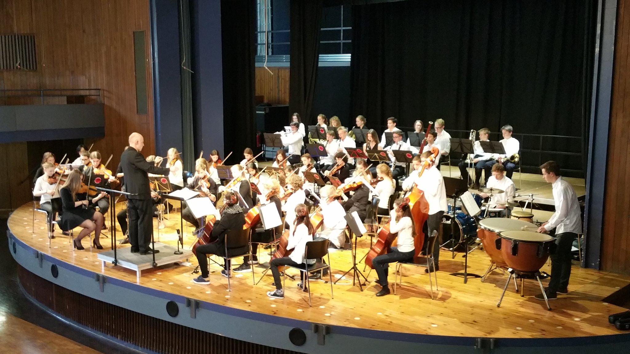 Jugendsinfonieorchester der Musikschule #Herrenberg https://t.co/jxAJ4e9KZq