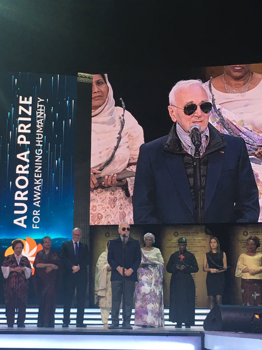 Famous singer and poet of Armenian descent Charles Aznavour greets the #AuroraPrize winners & audience. https://t.co/1KY7gTlVYw