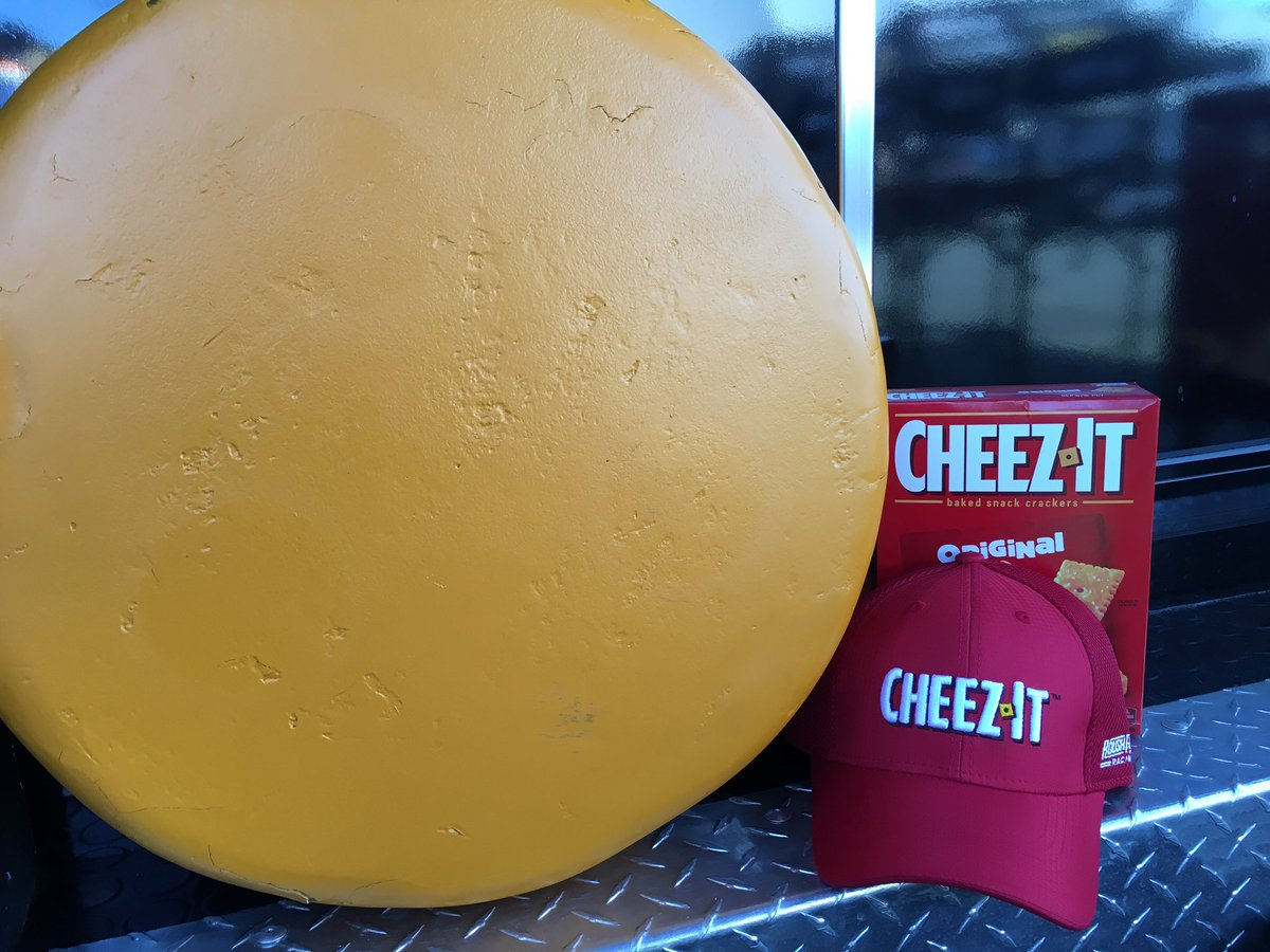 Halfway! Let's give away a hat! RT to win a @cheezit hat signed by @gbiffle - winner will be randomly selected https://t.co/oFxBxlIJjW