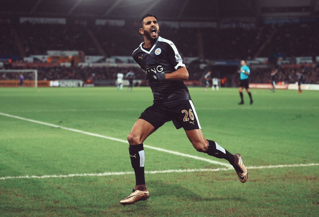 Riyad Mahrez becomes the first African footballer to win the PFA Player of the Year award. Outstanding achievement. https://t.co/o8w2jrgE8t