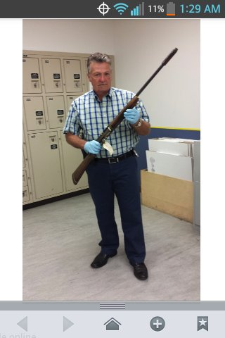That gun barrel is a LOT longer than I first imagined ... raising more suspicion   #KurtCobain  #SoakedInBleach https://t.co/YlmbykFOmj