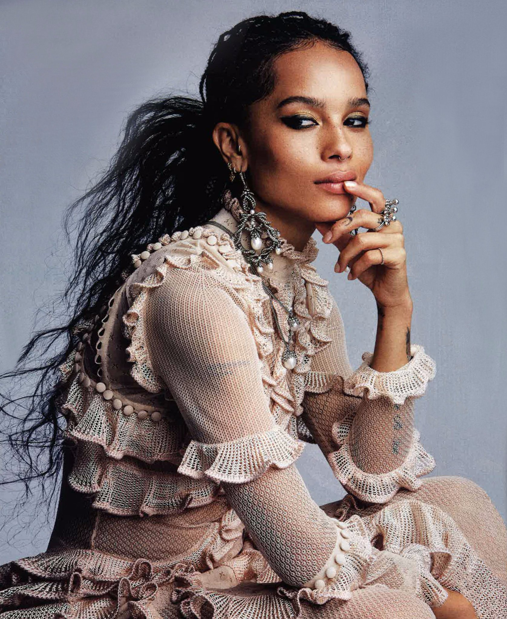 Seen inside @voguemagazine : @ZoeKravitz wearing the Alexander McQueen SS16 lace knitted ruffle dress https://t.co/IFXaPlSKva
