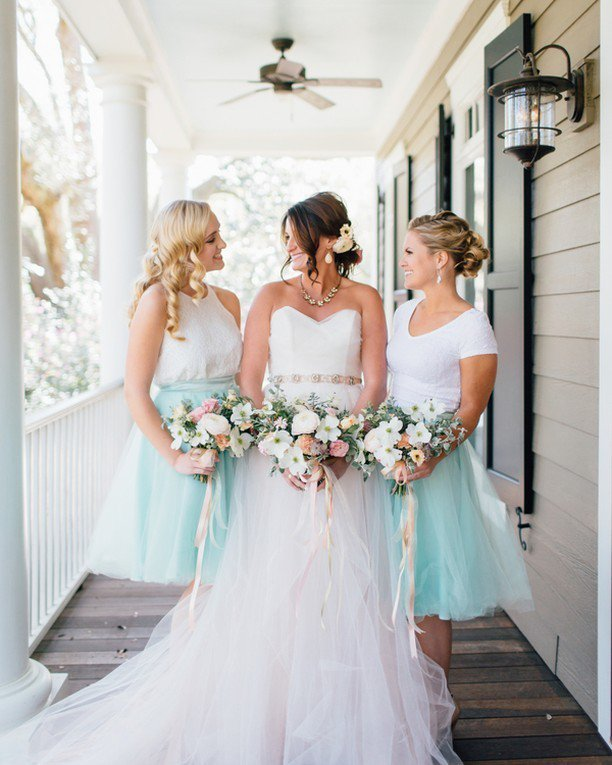 "This spring shoot had our hearts at ""dogwood bouquets!"" Head over to #SouthernWeddings for… https://t.co/1Xq2QSneoz https://t.co/4wwC19loKz"