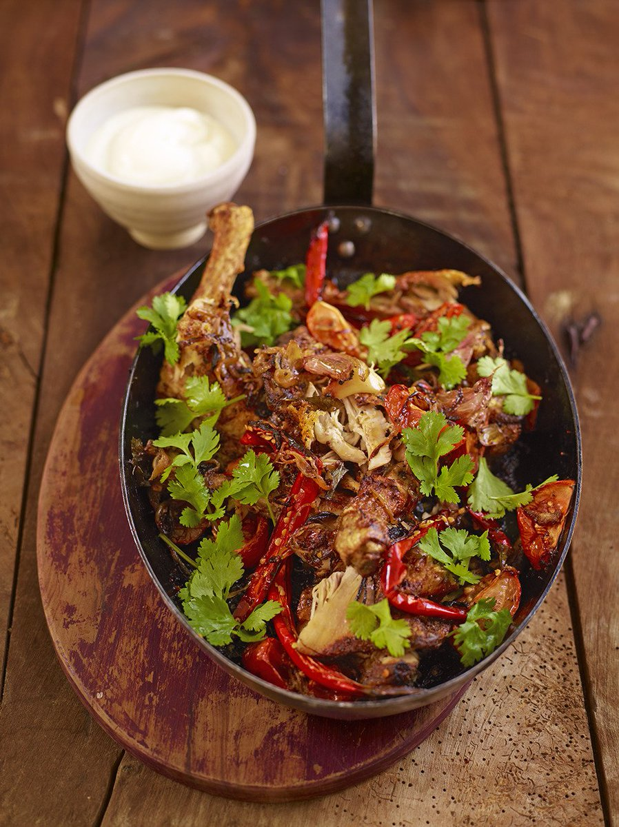 Today's #RecipeOfTheDay is this punchy and beautifully tender spicy sticky chicken! https://t.co/qZbdZSPIX2 https://t.co/6JHeyXVjkT