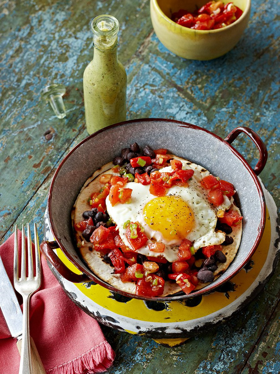 #RecipeOfTheDay is from our @JamieMagazine, a quick & super-tasty veggie Mexican breakfast: https://t.co/XtISgoHmLH https://t.co/qgTZ7FWYdJ