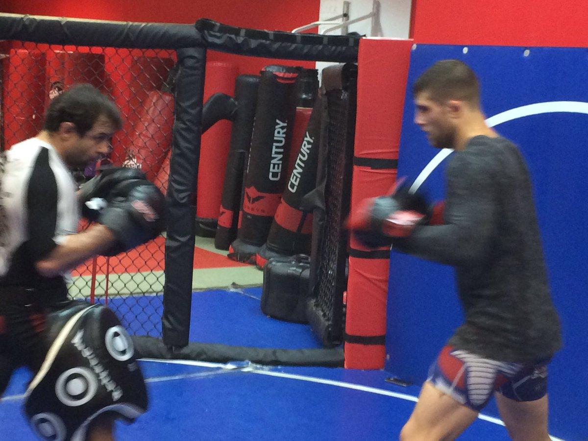 Putting in work @ElDirteSanchez doing some hard rounds with @muratkeshtov here @KDojoTribe @ufc @UltimateFighter https://t.co/l0sev30yNU
