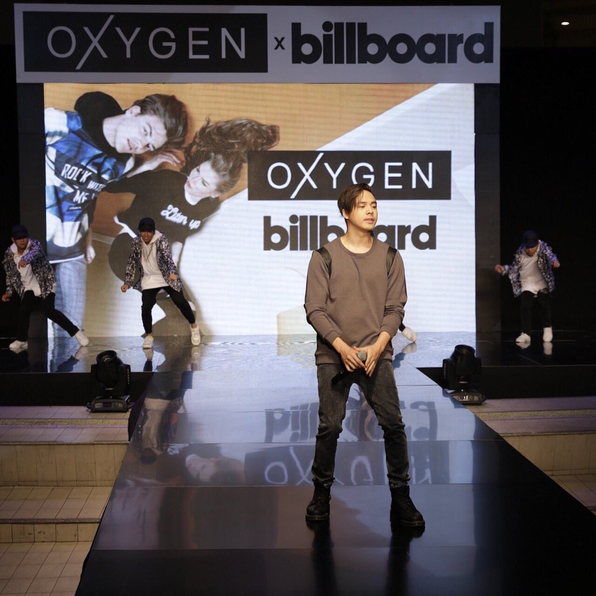 @sam_concepcion performed Sorry and Can't Feel My Face, @billboard's Top 100, for #OXYGENxBILLBOARD fashion show! https://t.co/z86yoThODi
