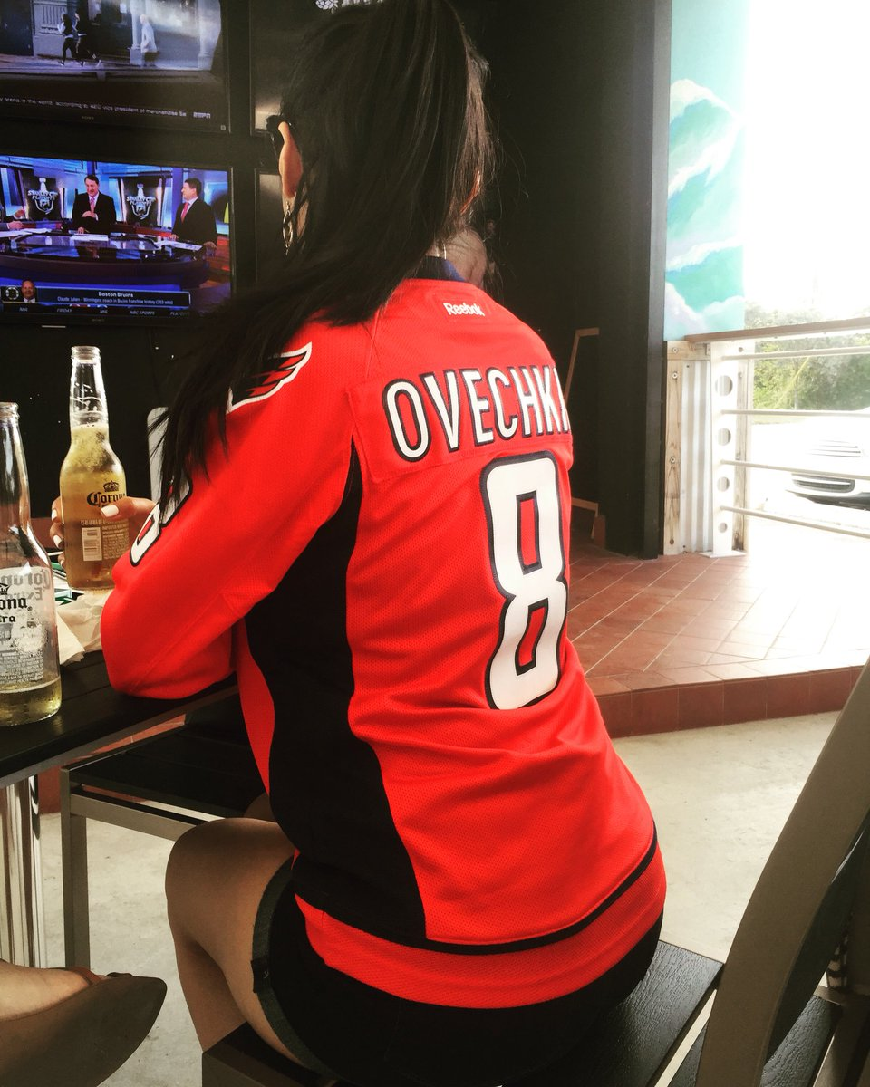 When you're wearing your teams sweater outside in 90° miami weather. Real fan status. #RockTheRed #StanleyCup