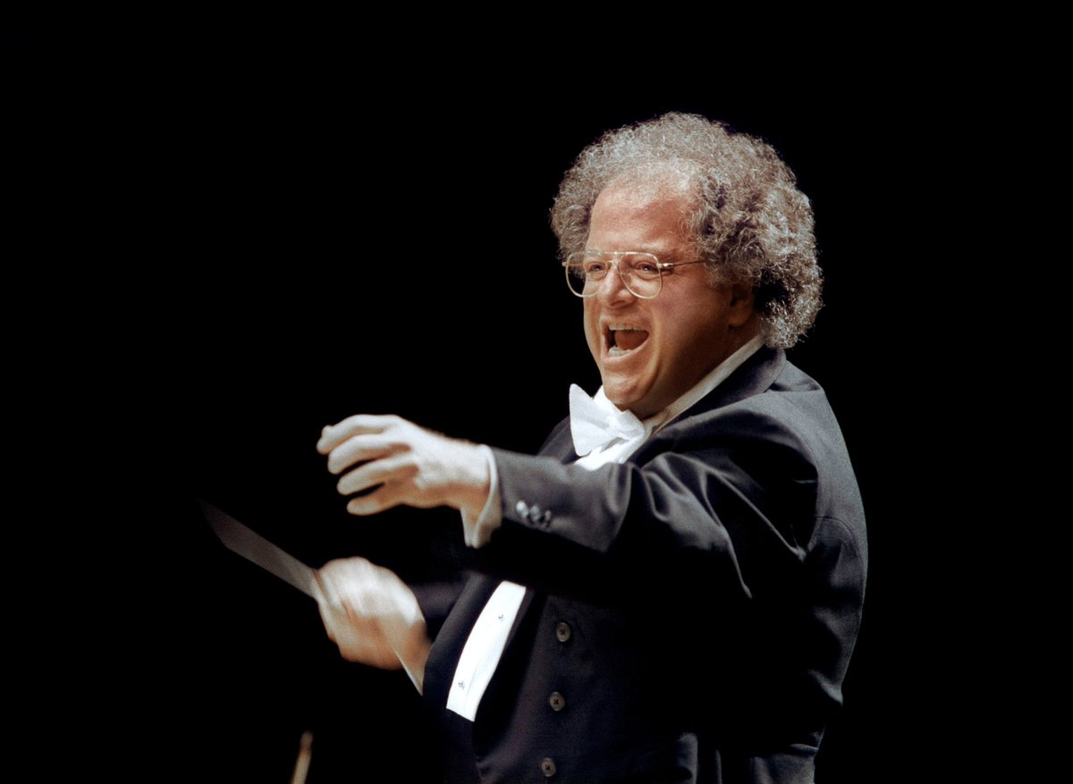 Maestro James Levine will step down as Music Director at the end of the season. https://t.co/itb8USc3aw