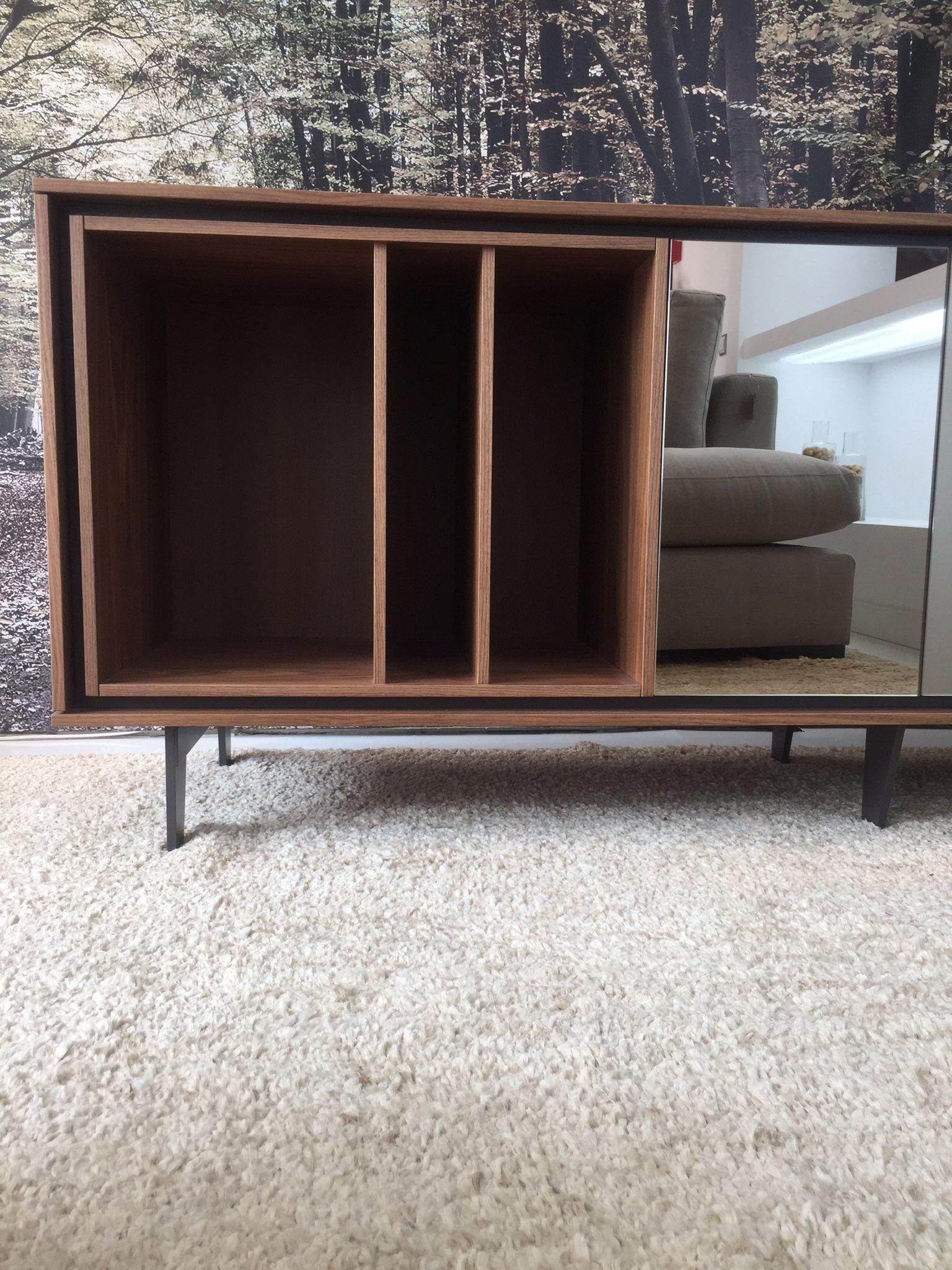 El #FF es para @mueblesverge y su mobiliario contemporáneo de alta calidad. Mismo aparador, diferentes almas. https://t.co/E1b5HRpnbC