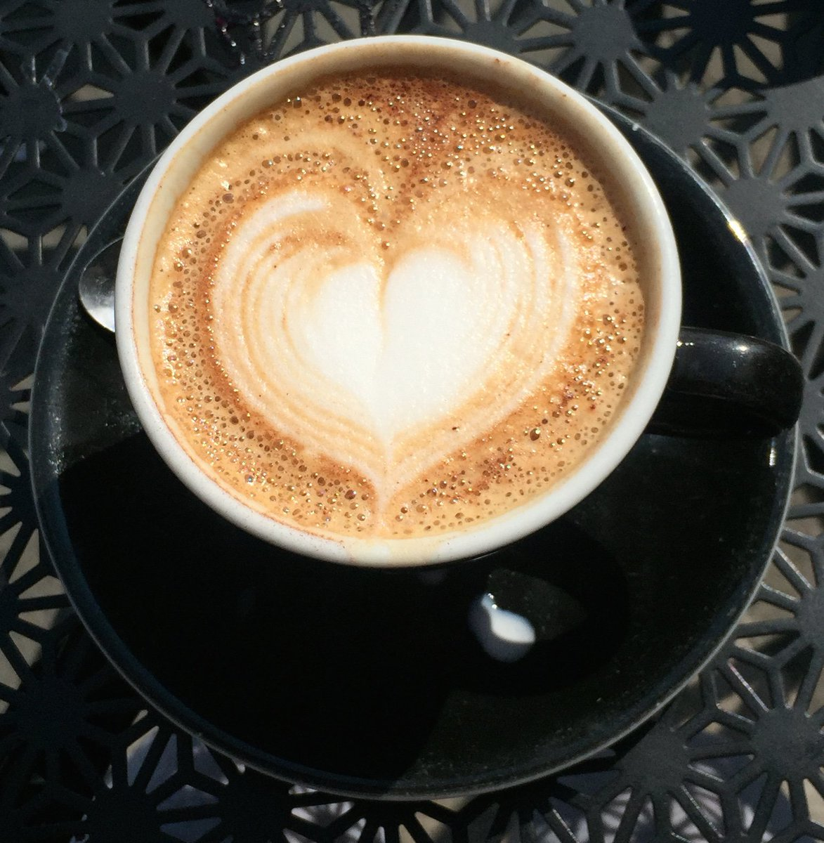 RT @edinburgh: Celebrate UKCoffeeWeek by visiting the best caffeine hotspots in Edinburgh >
