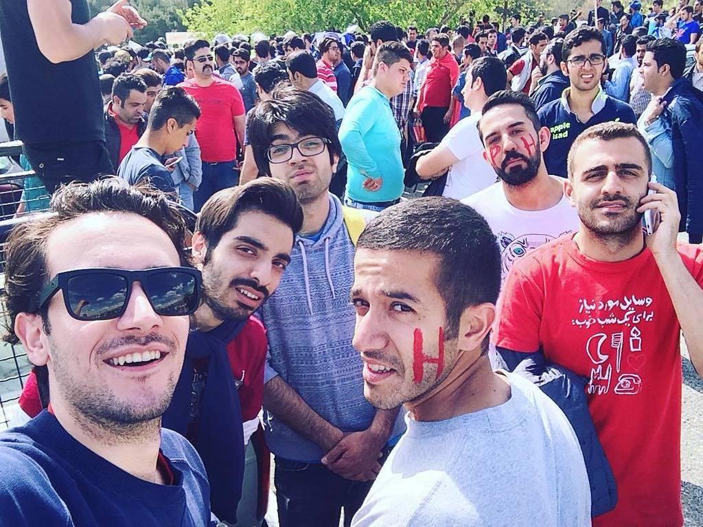 وقتی که پشت در ورزشکاه بلیطامون به هیچدردی نخورد.  #دربی #استقلال_پرسپولیس https://t.co/Y9ZptUsQBw