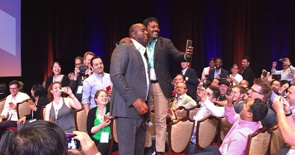 DCKAP: 'Magic Moment' with @MagicJohnson...at #imaginecommerce n#imagine2016 #Magento #MagentoImagine @magento @mklave1 https://t.co/a32YJQk3kh