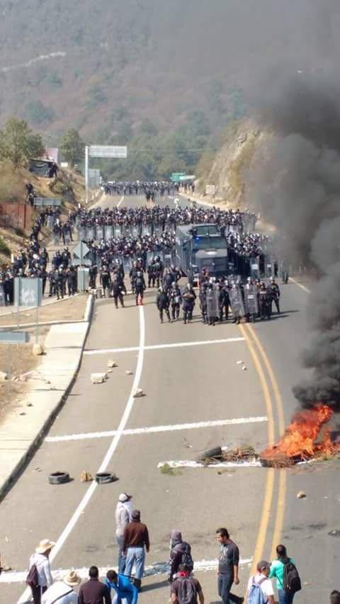 Así las cosas hoy en San Cristóbal de Las Casas #Chiapas con las manifestaciones. Está que arde la situación https://t.co/SbZOROS8e9