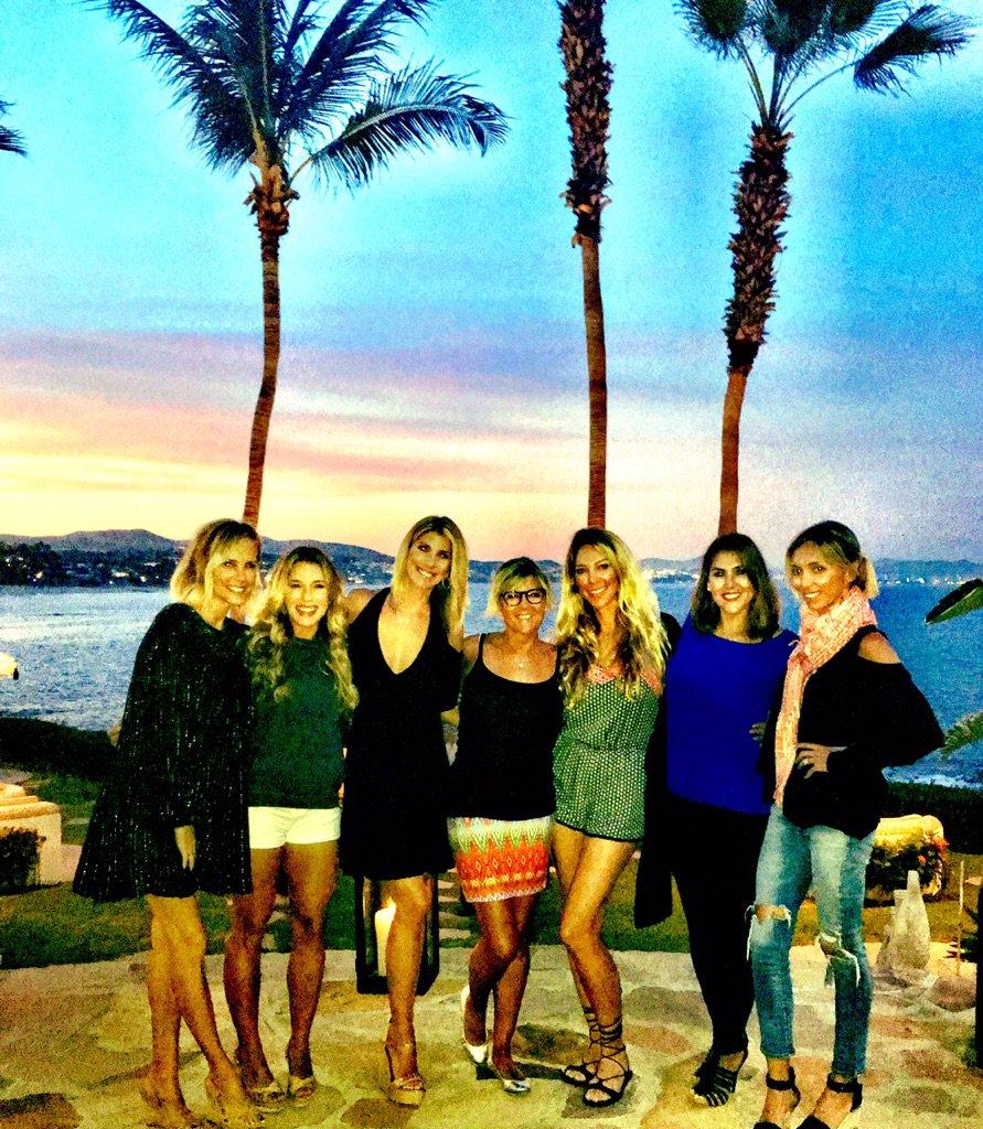 Girls dinner in Cabo https://t.co/7foWOQRS2L
