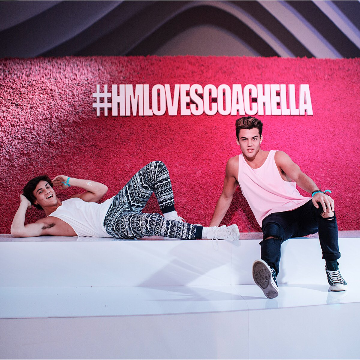 .@GraysonDolan @EthanDolan kickin' it at our #HMLovesCoachella tent! Check out their visit: