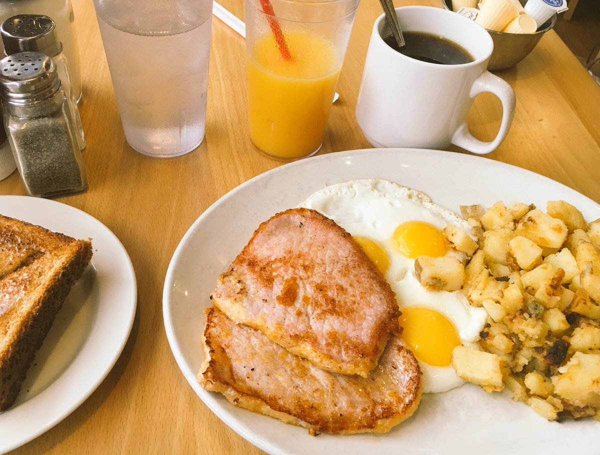 VinaiKopp: Canadian Breakfast and an episode of @MageTalk after a morning run at the Toronto waterfront #RoadFromImagine https://t.co/VoBdFj23eV