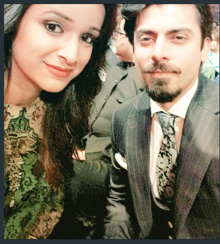 ... Highlight of my evening ♡  @_fawadakhan_  #aryfilmsawards2016 https://t.co/2vqlk7OGEw