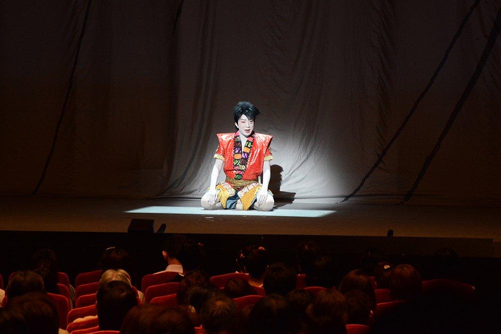 【4月公演『ワンピース』】昨日4月16日、市川猿之助さんによる、熊本の大地震についてお見舞いと公演実施についての口上が行われました。以下ページにてご紹介させていただきます。https://t.co/UoPxN0qf1W https://t.co/FhaMibsiom