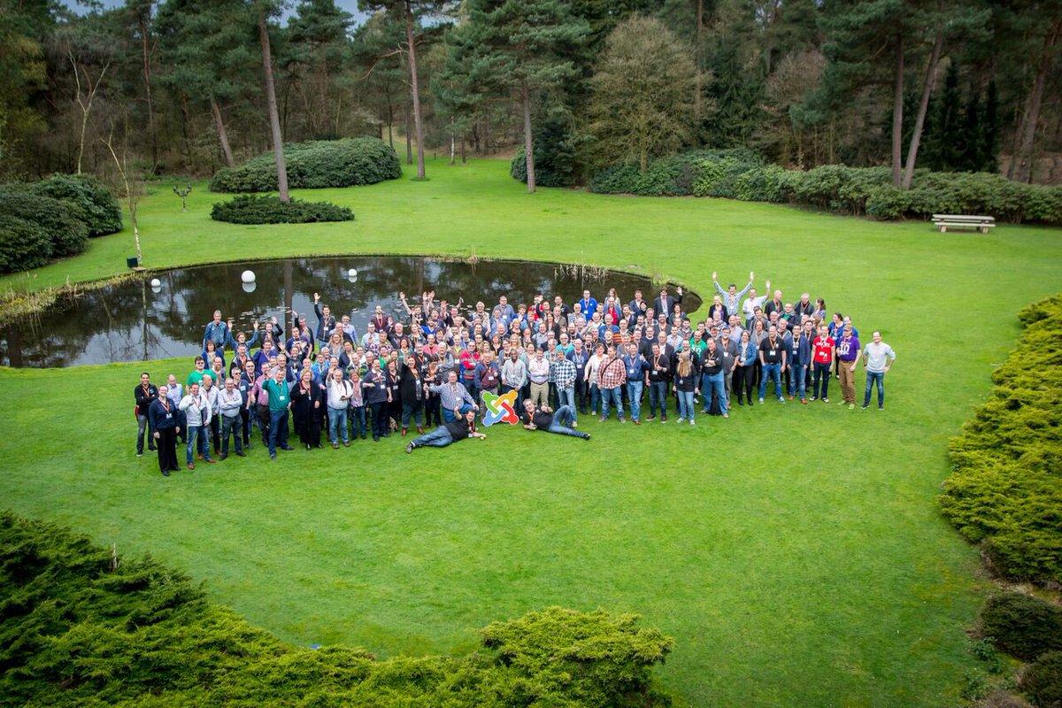 Group photo from @joomladagen 2016! #jd16nl https://t.co/LjwlGRP3Gs