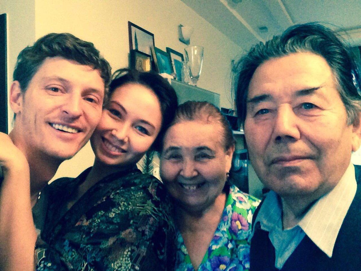 Моему дедушке 80 лет ! ????????Здоровья! Сил! И ещё столько же! Мы  все тебя очень любим ❤️ Всем семейных выходных! https://t.co/wyURABxYvc