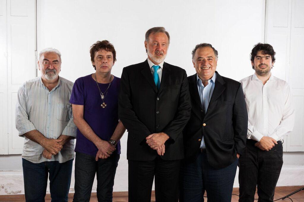 ¿Estás escuchando @Ruidodemedios? quedate en @AM750 después #CFKenAM750 @CFKArgentina en el debut de @UnPocoNomas https://t.co/BycLkOA4GW