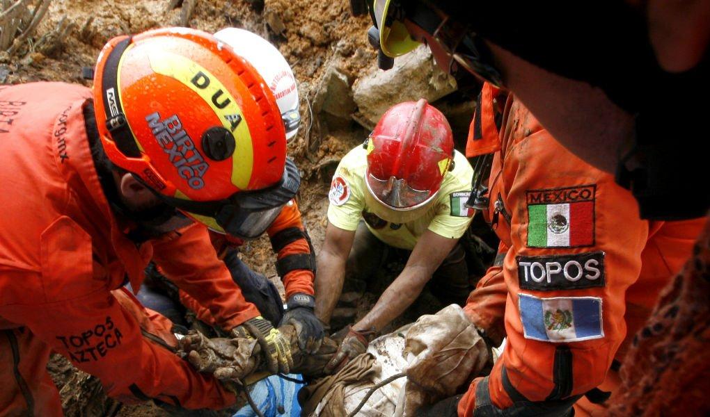 @topos : Llevaremos 25 personas con equipo de demolición para rescate https://t.co/oAGos55l4f https://t.co/tul6qxlc1Z