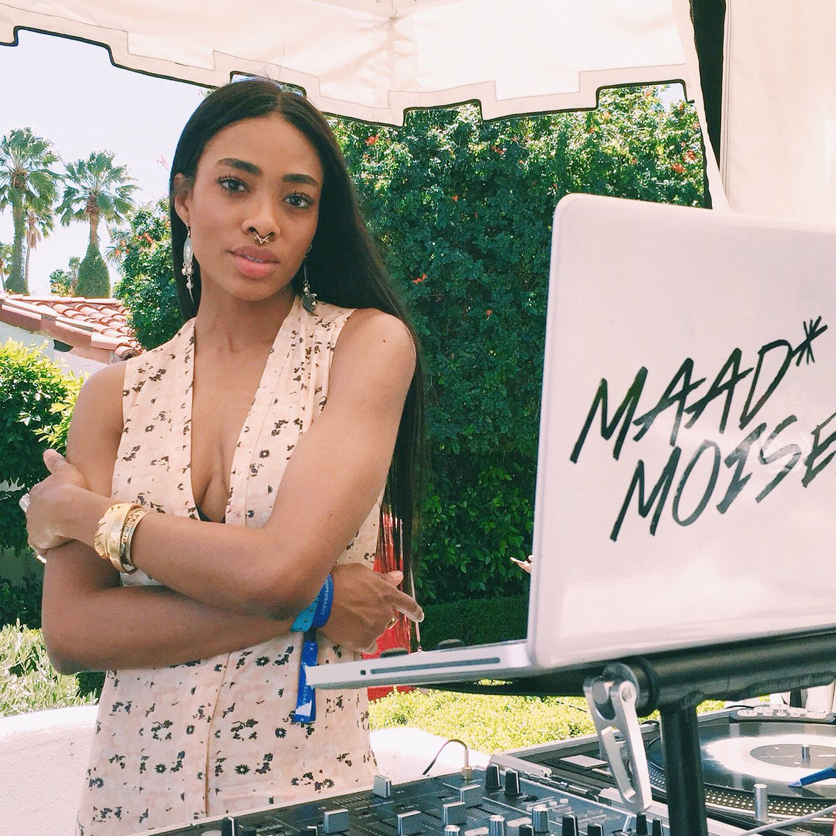DJ @maad_moiselle At The @popsugar Event // Feather Cuff & Aquarian Cuff As A Septum Ring #camjewelry #coachella https://t.co/5EF1UAeK2E