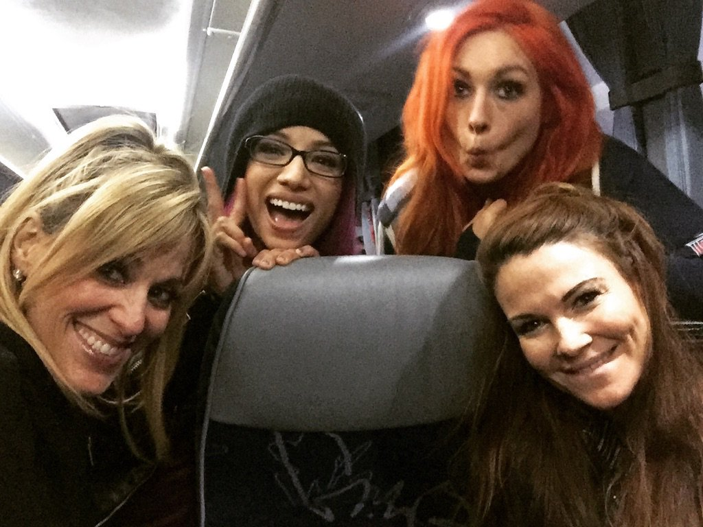 Having a blast on tour w @AmyDumas @beckylynchwwe & @sashabankswwe . On our way to London 4 @WWE #Raw !!