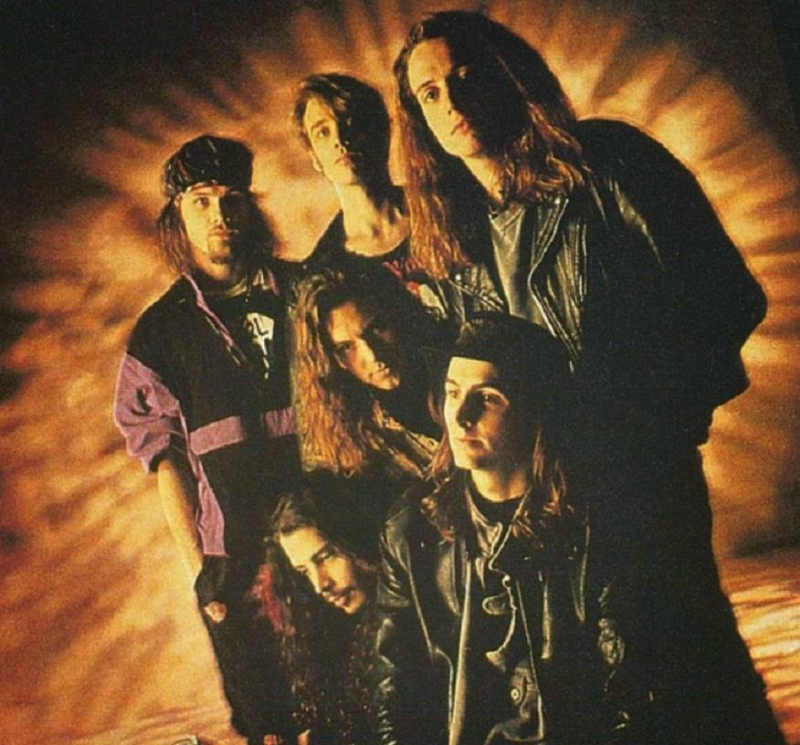 A day late, but no less meaningful. https://t.co/ujiOSjJpGA @templeofthedog #25YearsAgo #MissAndy https://t.co/bZLmYdiNgy