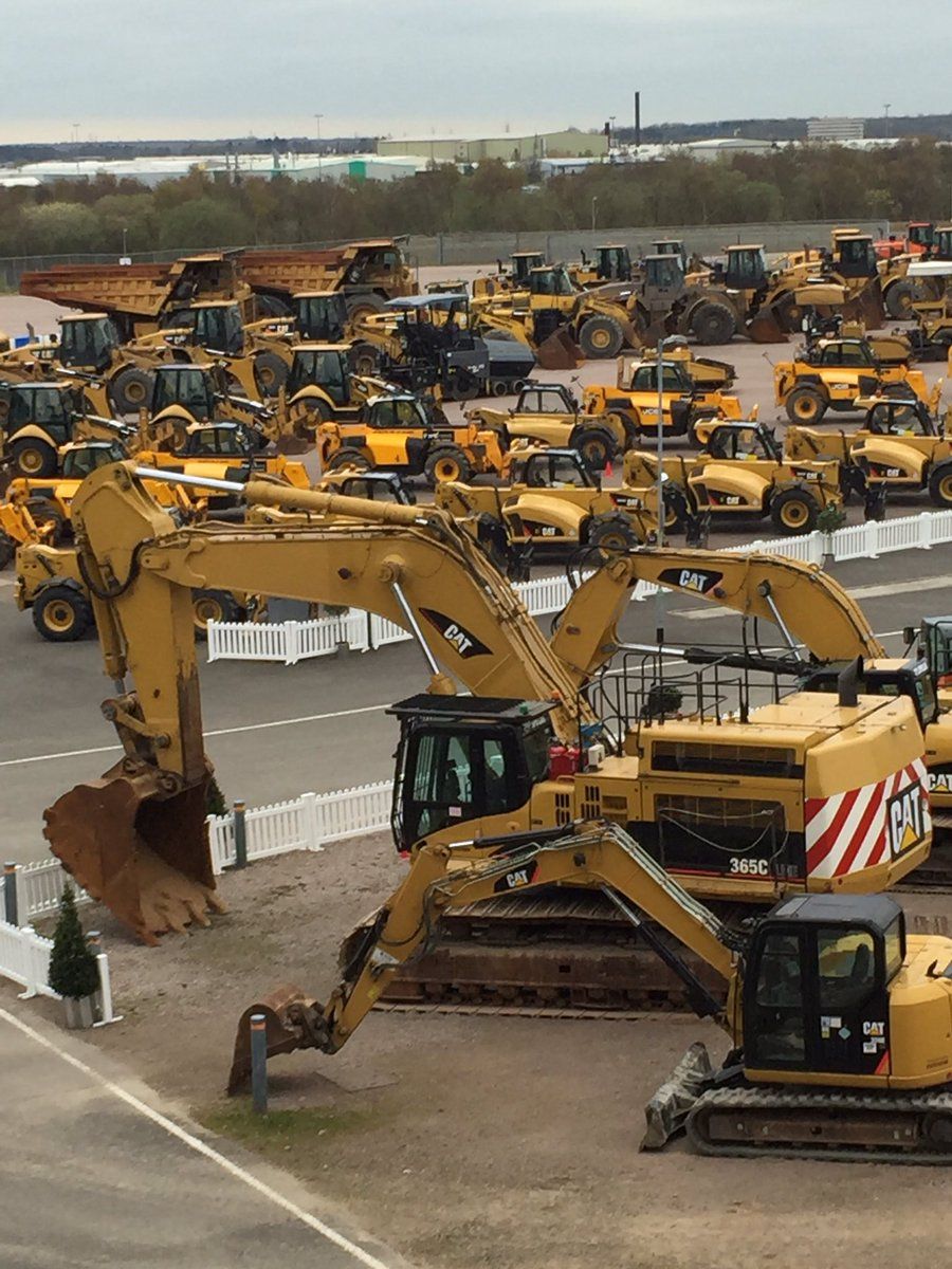 It's a sea of yellow @RockinghamUK as we get ready to host @IronPlanet first European auction this Thursday. https://t.co/5IKEPPyhmh