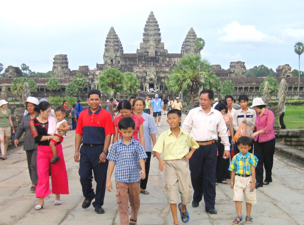 Happy #WorldHeritageDay! See Angkor in #Cambodia, the Statue of Liberty, and other sites at https://t.co/OOftwWVgrd. https://t.co/Fkq9WrZXuV