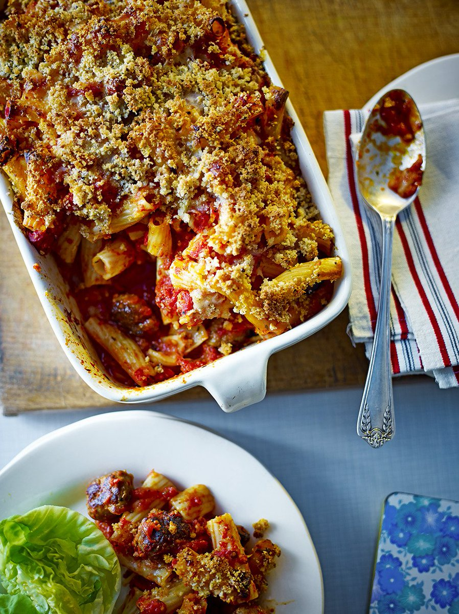 #RecipeOfTheDay is sausage #pasta bake. Freeze any leftovers for another day! https://t.co/qd6Zbopei0 https://t.co/2YkpvuSgL6