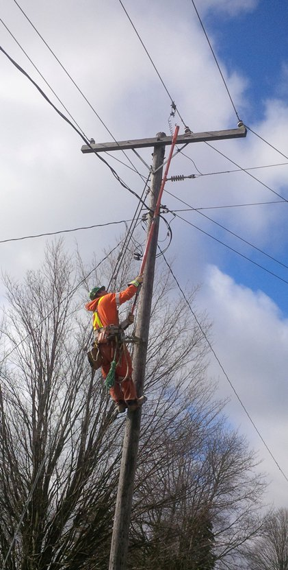 It's Lineman Appreciation Day! Thank you to all the great men and women working to keep the lights on #thankalineman https://t.co/tFFnlCPnEz