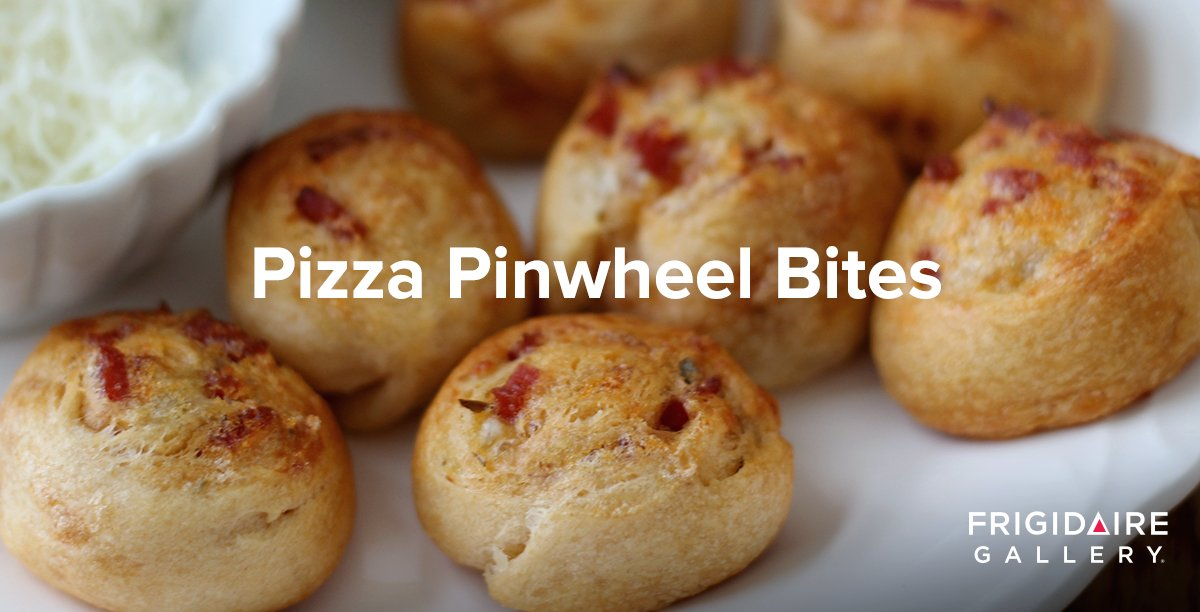 These bite-sized pizza snacks are a surefire hit with kids & adults alike. Try the recipe: https://t.co/hME5f0fpVp https://t.co/mb9jtc6GOo