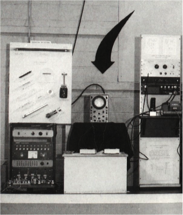 Willy Higgenbotham's Pong type game in 1958 on an oscilloscope.  14 years before Atari did.  We stand on Shoulders. https://t.co/Z4h5esMrn9