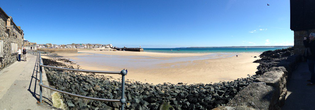 It's a stunningly low tide here in #stives #cornwall got to love a job that brings you here on a Tuesday morning https://t.co/4pc7tn3nLa