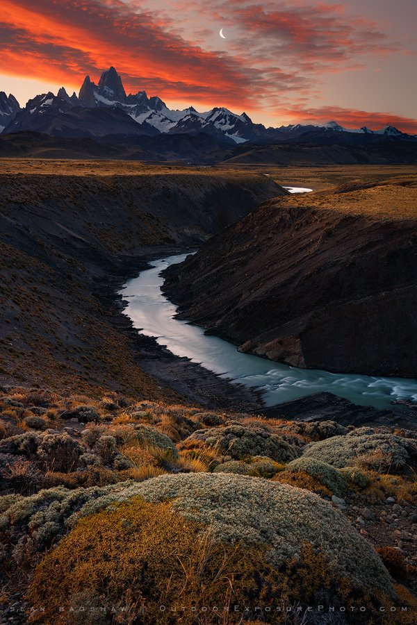 Fitz Roy Sunset, River and Moon #patagonia https://t.co/UBSCu9NvVp https://t.co/i4xBV3gyOe