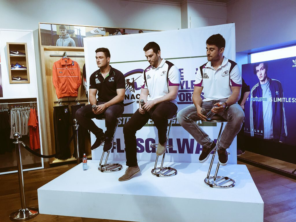 We can confirm that none of these @connachtrugby lads are single ! #LSSGalway https://t.co/zoE2HjrcKy