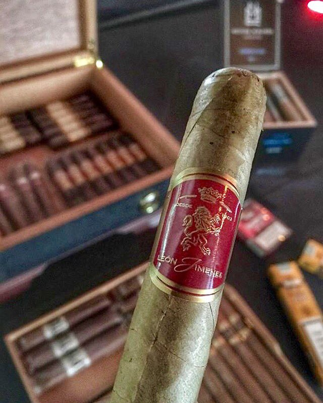 They say the meaning of life can be found in a good cigar. We give you this cigar! #LaAuroraCigars https://t.co/XCXsQevDd3