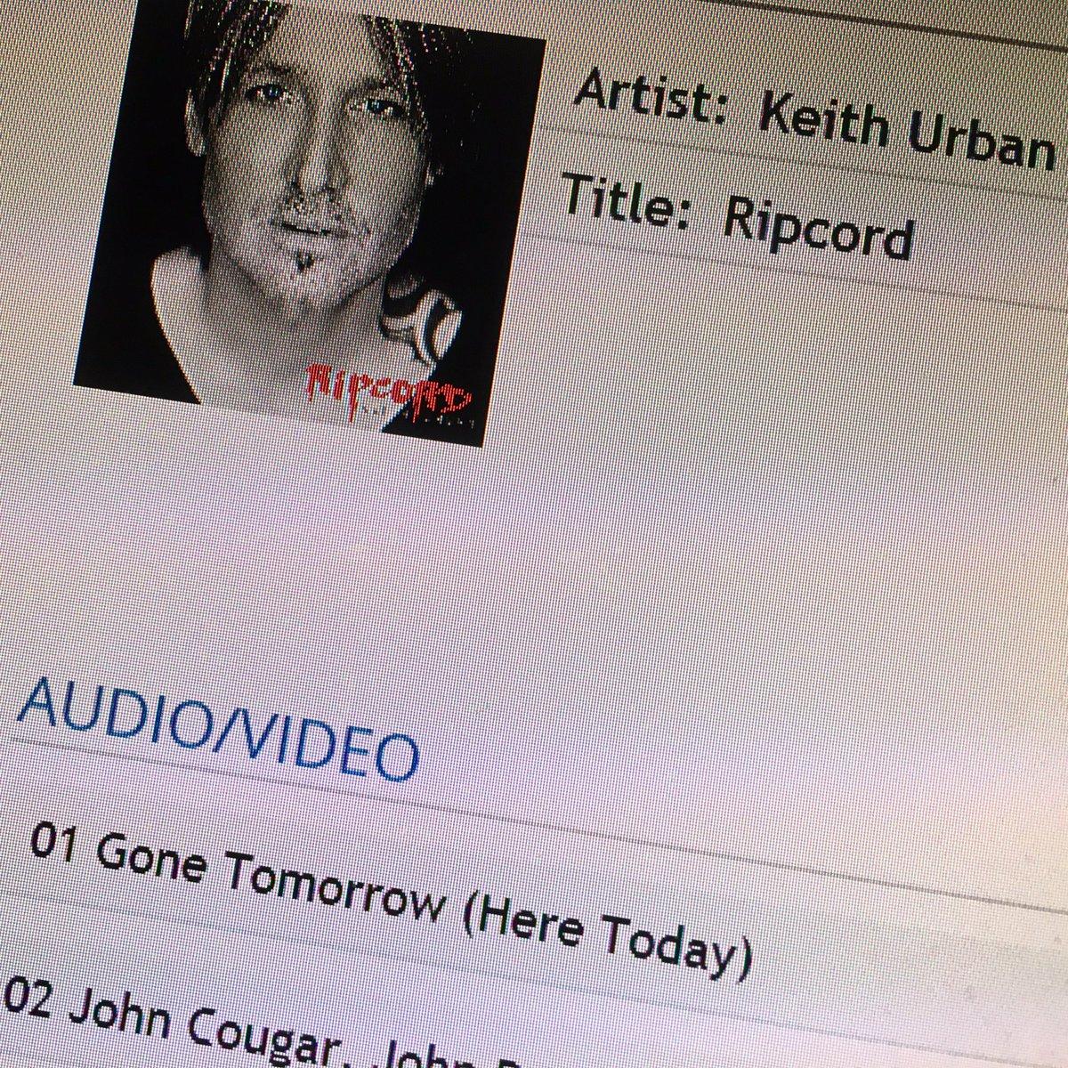 take my word-new @KeithUrban = legit. #thefighter w/ @carrieunderwood so good. #ripcord #KeithUrban #CarrieUnderwood https://t.co/LL42wwduGL