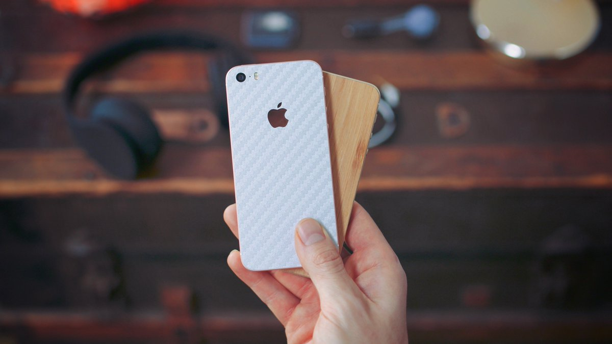 Giving away x2 iPhone SE's - RT if you're in!   Details on how to enter: https://t.co/PGZIsldSMt https://t.co/AGA0I1sSHF