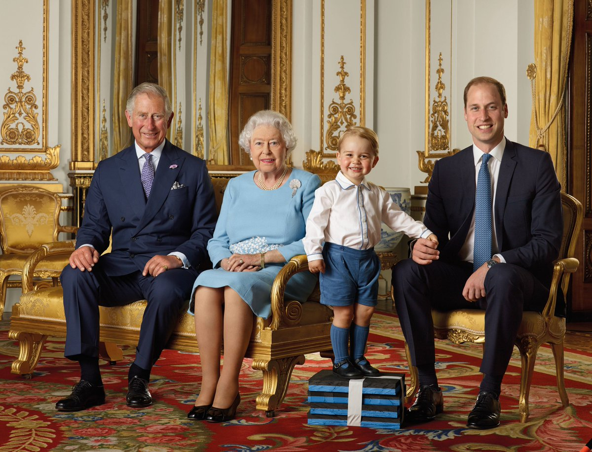 The Queen and 3 future kings photographed for a stamp; a first for Prince George https://t.co/0qxAGrkVcX