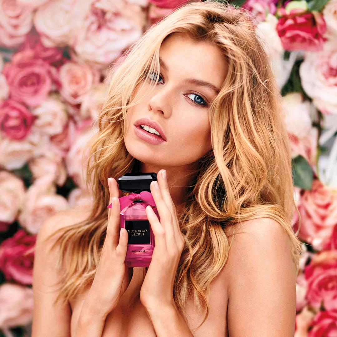 Smell the ????…the most feminine scent just got sexier. #VSBeauty https://t.co/0Oq8KeFnZd https://t.co/qsLg4DVtNd